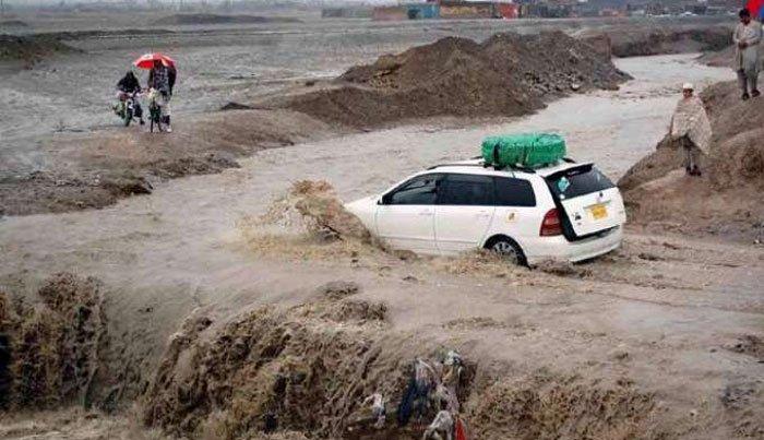 بلوچستان میں طوفانی بارش و سیلابی ریلے، شاہراہ بند