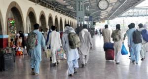 کراچی: کینٹ اسٹیشن کے اندر گاڑیوں کا داخلہ بند کر دیا گیا