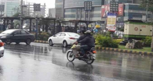 کراچی کے مختلف علاقوں میں ہلکی و تیز بارش
